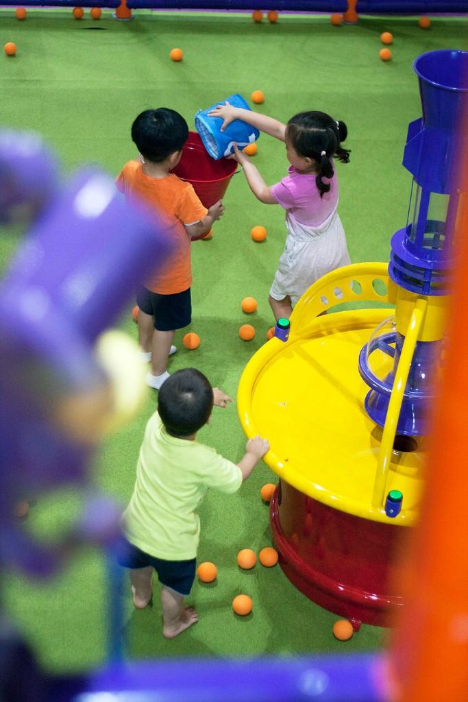 kids playing in jumpin jax preschool in paramus new jersey
